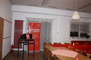 Der noch leere Saal steht bereit